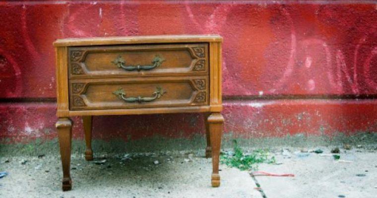 Comment nettoyer un meuble vernis ?